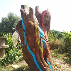Nature sound, 210x90x90 cm, wood, 2019.